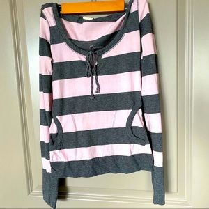 Fitted striped tee with hoodie